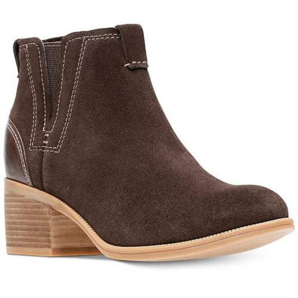 b9bab8373 Clarks Maypearl Daisy Ankle Bootie